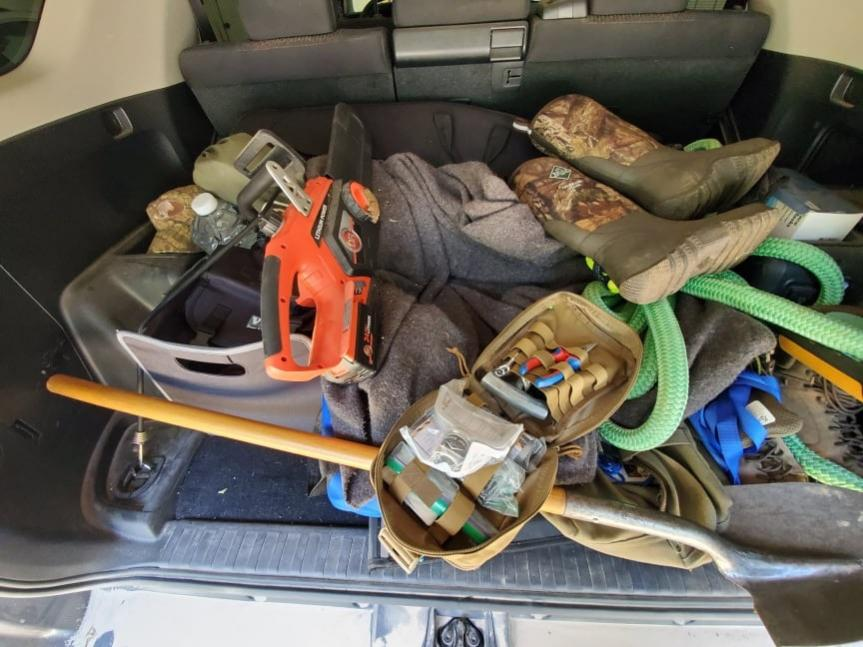 Carrying a Chainsaw-recovery-gear-jpg