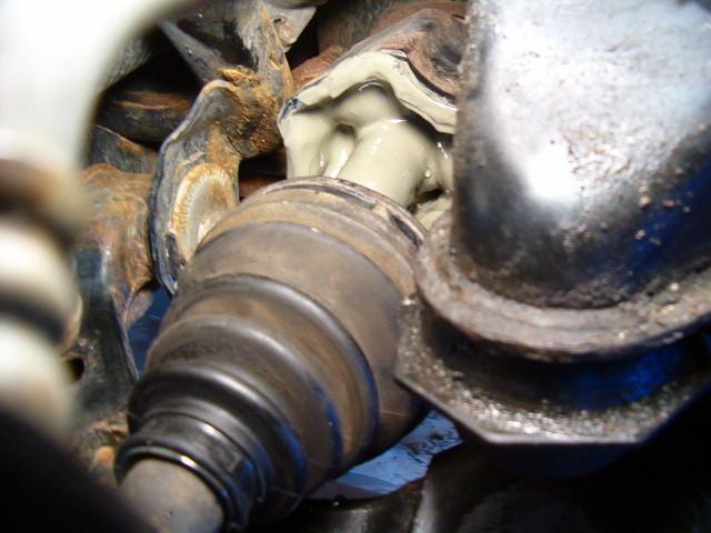 Front LH inner CV boot leaking-t4rfrcvboot03-jpg