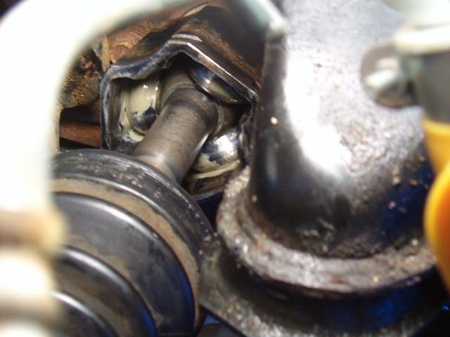 Front LH inner CV boot leaking-t4rfrcvboot05-jpg