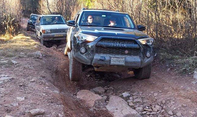 Highlighting The Difference Between Unibody And Body On Frame Bof 4runner