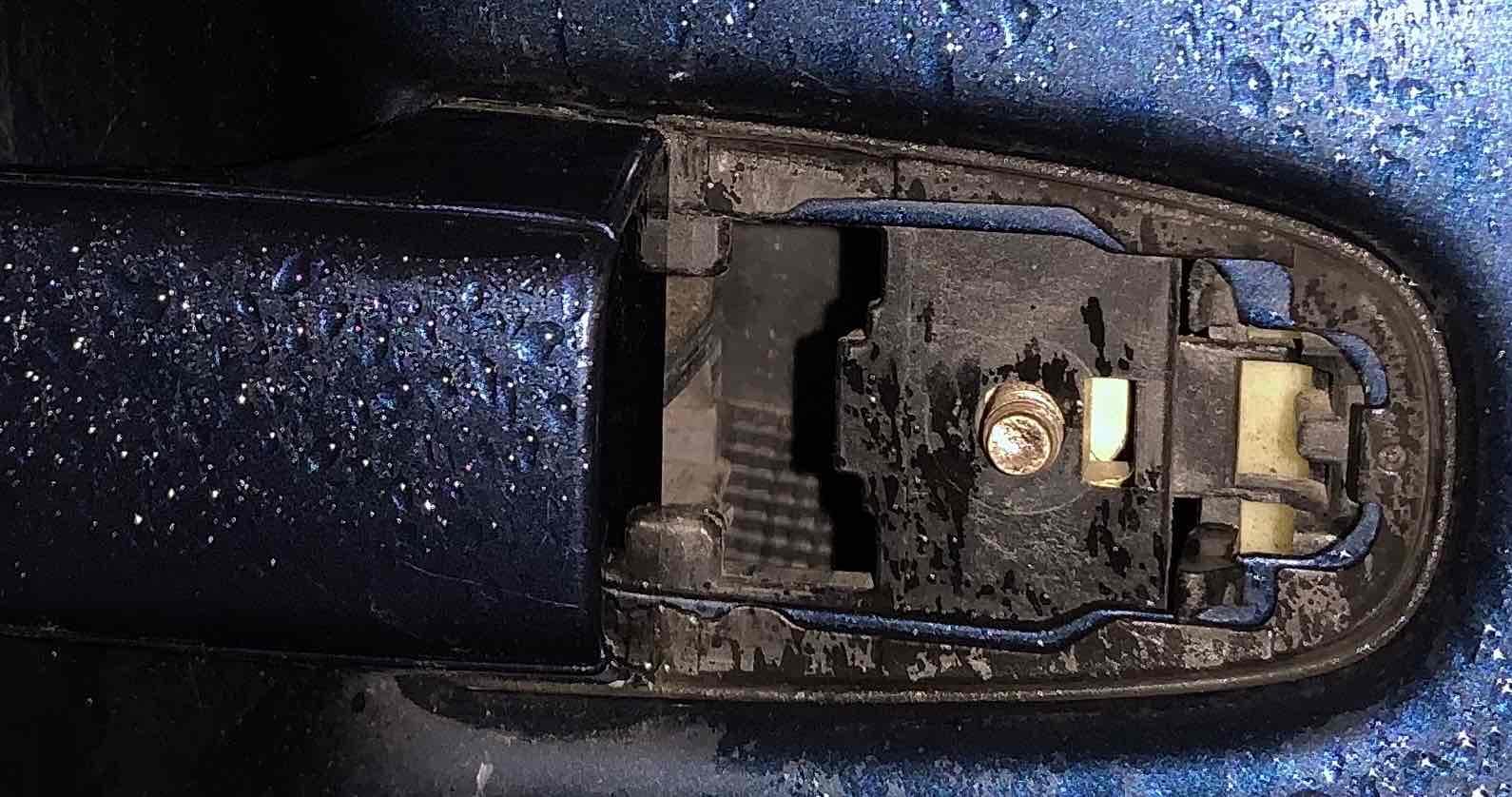 Broken door handle...-img_1522-crop-jpg