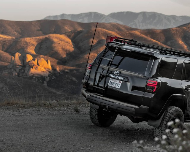 Best Off-Road Communication Devices-@wulf_runner-jpg