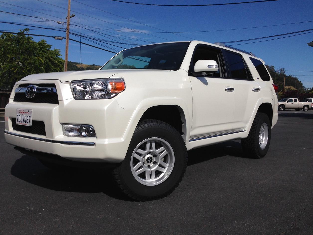 2015 toyota tacoma weathertech parts and accessories. Black Bedroom Furniture Sets. Home Design Ideas