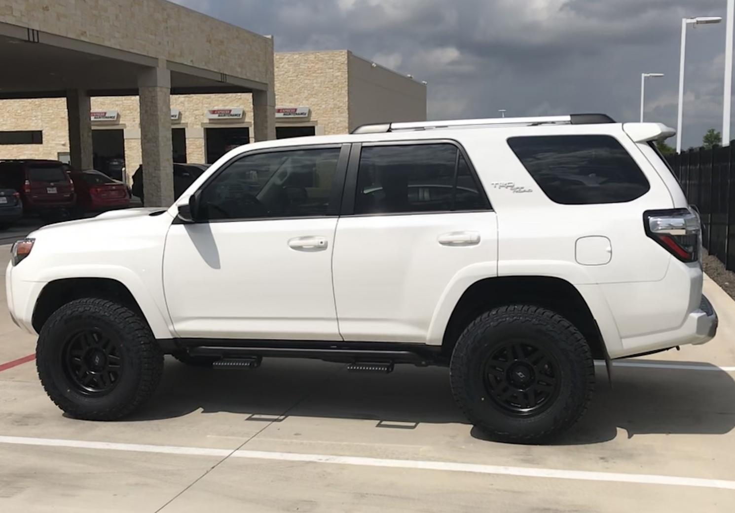 SCS Stealth 6 wheels 17x8.5-e65611a6-4b36-4700-875b-a65e6a0b3f56-jpg